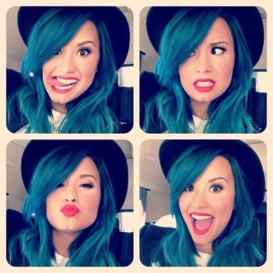 demi-lovato-blue-hair-1