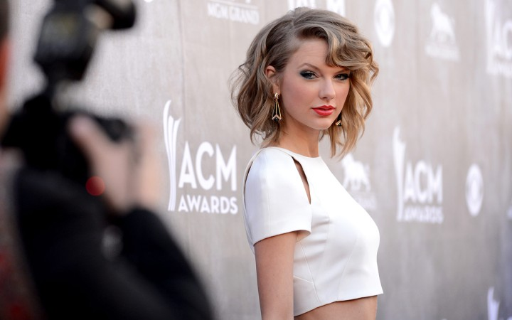 best-dressed-acm-2014-taylor-swift-ftr