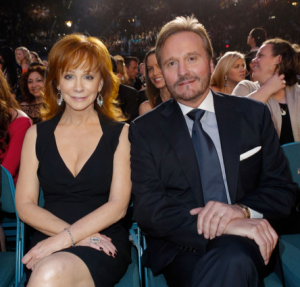 Reba mcentire son getting married pictures to pin on for Who is reba mcentire married to now