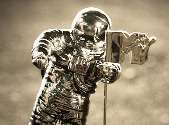 MTV-VMA-Moonman