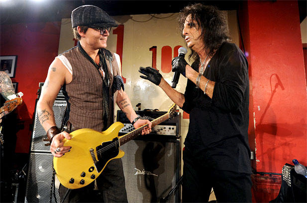 1144759-alice-cooper-johnny-depp-617-409
